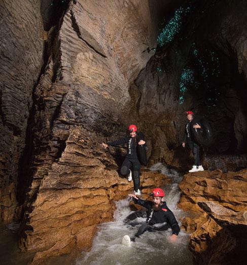 [뉴질랜드]블랙 워터 래프팅(와이토모 동굴)1.jpg