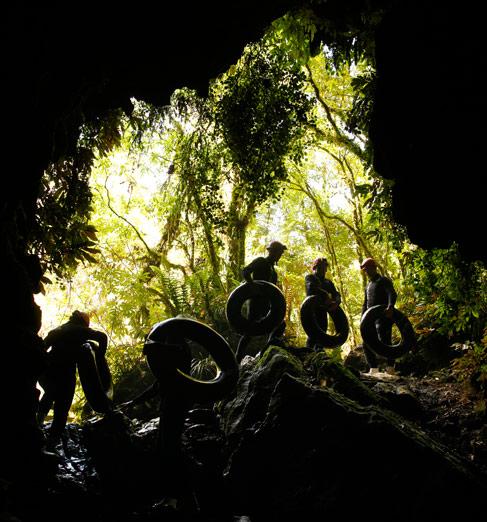 [뉴질랜드]블랙 워터 래프팅(와이토모 동굴)2.jpg