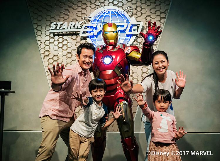 HKDL_YB Tour PResize_Tomorrowland 1100x803(h) pixels_3.1-01.jpg